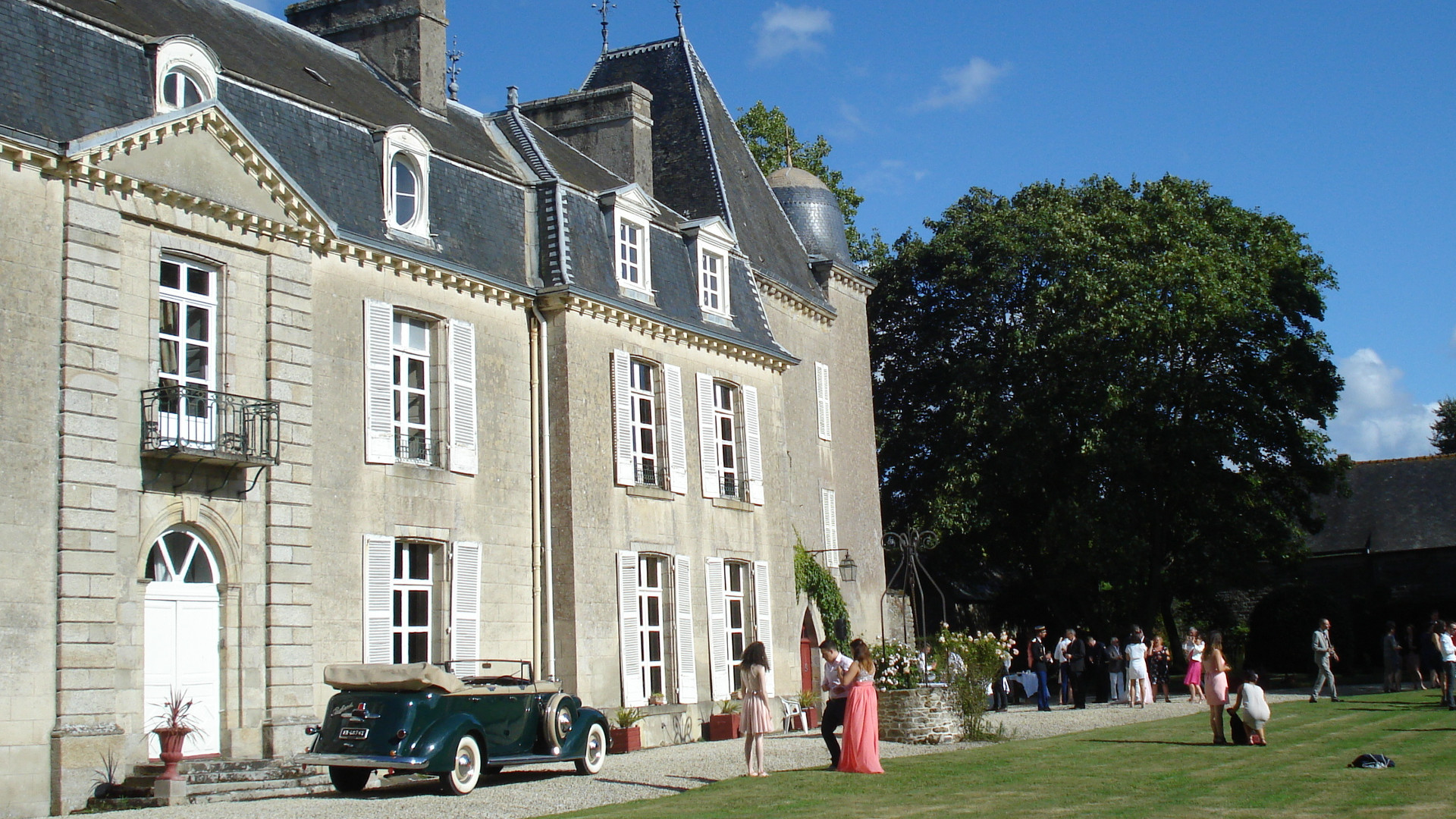 Le Livre : Le Château De Bogard Et Ses Jardins.